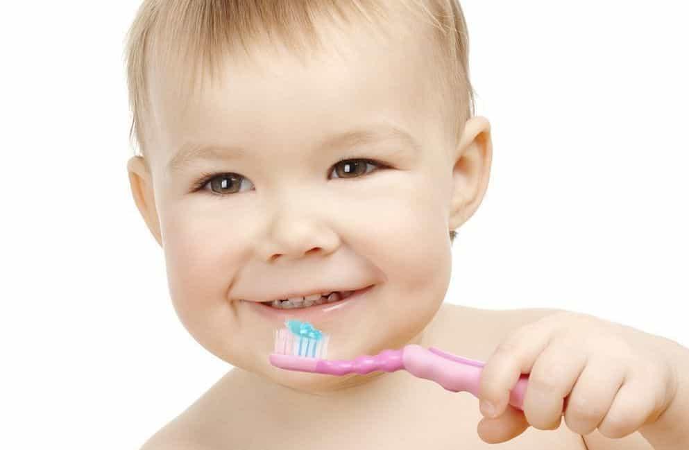 Уход за молочными зубами